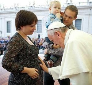 Papa y una familia