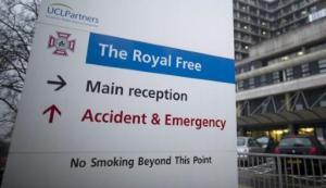 Entrada al hospital The Royal Free, en el norte de Londres, el 3 de enero de 2015. La enfermera británica Pauline Cafferkey fue llevada a este centro especializado el 9 de octubre, diez meses después de un primer diagnóstico de ébola (AFP/Archivos | Justin Tallis)