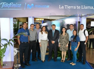 En la fotografía aparece parte del equipo de Telefónica acompañados de Juan Manuel Argüello, Director País de Telefónica Movistar Nicaragua (centro), y a su izquierda Catalina Chávez, Especialista de Responsabilidad Corporativa de Telefónica.