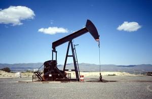 La propuesta busca una subida del precio del barril de petroleo.