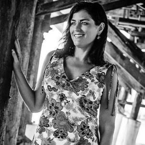 En esta fotografía de septiembre de 2015, la estadounidense Sondra Lynn posa para una fotografía en Florida. Lynn, que organizaba misiones médicas de voluntarios en Centroamérica, fue hallada apuñalada de muerte el jueves 10 de diciembre de 2015 en la capital de Costa Rica. La policía dice que su cadáver fue hallado en una cama de un hotel de San José. (Vida Volunteer Travel vía AP)