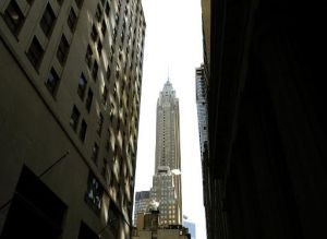 La sede del grupo de seguros AIG en Manhattan, Nueva York, el 4 de febrero de 2009 (AFP/Archivos | TIMOTHY A. CLARY)