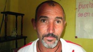 El disidente cubano Vladimir Morera, en una fotografía tomada en 2013 en Santa Clara, Cuba, y distribuida por su hijo Vladier Morera Herrera (Vladier Morera Herrera/AFP/Archivos | HO)