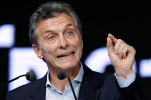 Cumpliendo una promesa de campaña de reformar la agroindustria argentina, Macri anunció la eliminación de impuestos de exportación en productos clave, un acto que también tendrá un profundo impacto en cómo se establece lla tercera mayor economía de América Latina  (Foto AP/Victor R. Caivano)