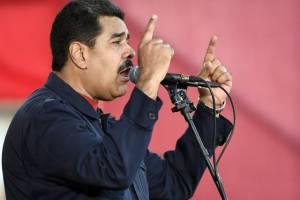 El líder chavista habló este sábado frente a casi tres mil soldados en un acto de la Fuerza Armada. AFP