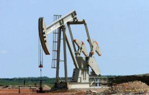 Un pozo petrolero en Tioga, Dakota del Norte, el 27 de mayo de 2007 (AFP/Archivos | Karen Bleier)
